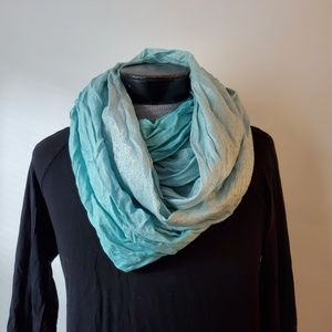 🌵 Calvin Klein teal and silver infinity scarf